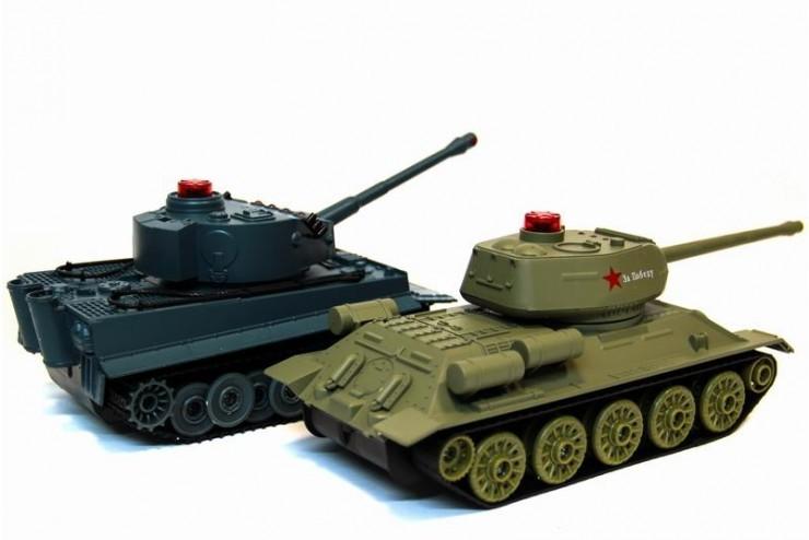 Танковый бой на радиоуправлении Abtoys Т34 и Tiger 1:28 Huan QI 508-555