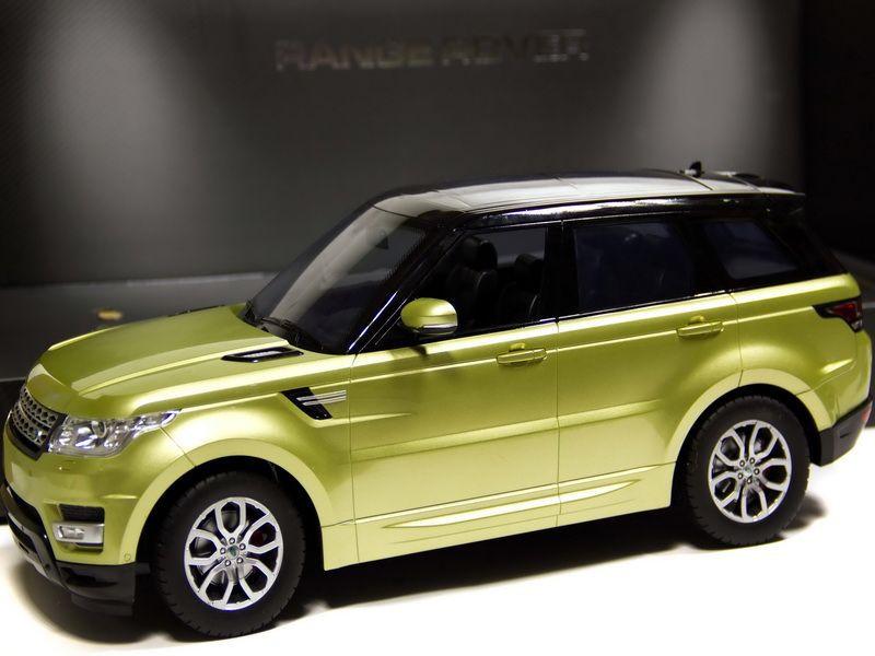 Машина 1:12 Range Rover HQ20137
